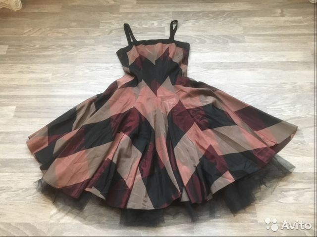 ab17cc439ea3285 Бомбическое вечернее платье BGN купить в Москве на Avito ...