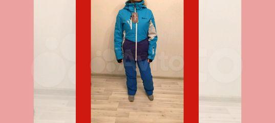 Горнолыжный костюм женский Roxy купить в Москве на Avito — Объявления на  сайте Авито 6eae94387ce