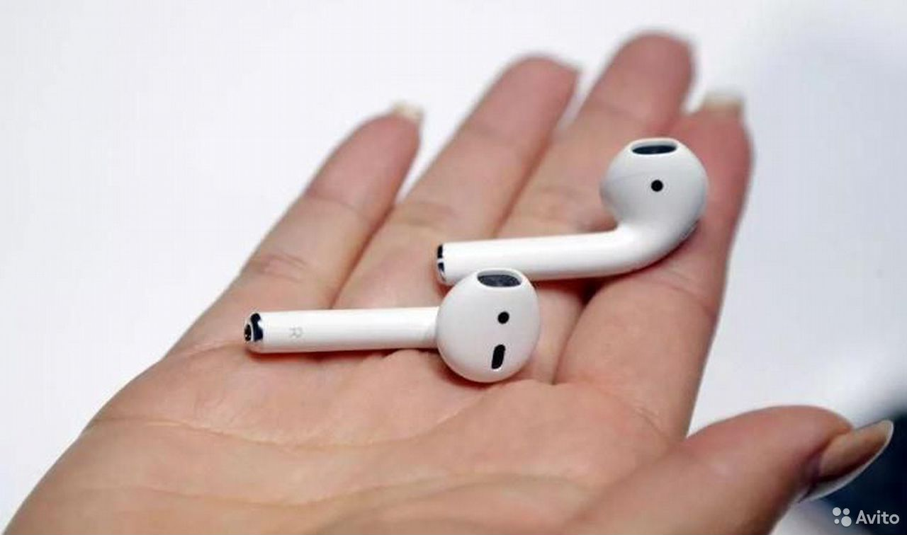 2 AirPods