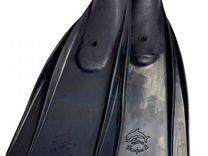 Ласты дельфин для плавания и охоты