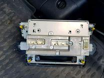Продам рабочую стандартную магнитолу от Toyota Hig