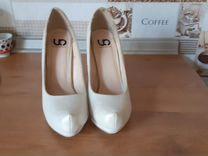 Обувь женская — Личные вещи в Великовечном