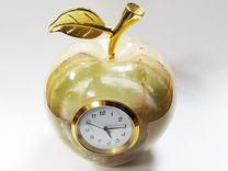 Часы-яблоко из оникса